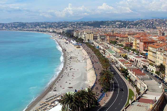 Faire du badminton à Nice